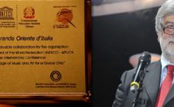 Il Gran Maestro Raffi porta il saluto del Grande Oriente alla  chiusura dei lavori dell'executive board Unesco, a Lucca