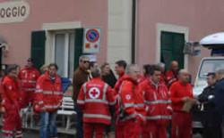 Dalla parte giusta. Liguria. Un'ambulanza attrezzata per il soccorso nelle zone soggette ad alluvioni alla Croce Rossa di Montoggio