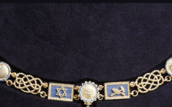 Un nuovo collare per il Gran Maestro, prezioso omaggio al Grande Oriente del Fratello Paolo Mercati
