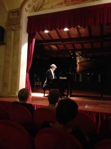 Il Maestro Francesco Attesti al pianoforte con Chopin e Schubert, Liszt ed i sorprendenti inediti di Fabio Mengozzi