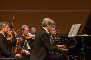 Francesco Attesti in concerto al Palacongressi di Rimini in occasione della Gran Loggia 2015