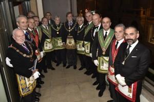 Foto di gruppo a Nizza con al centro il Gran Maestro della Gran Loggia Nazionale Francese Jean-Pierre Servel. Al suo fianco, a sinistra, il Grande Oratore Claudio Bonvecchio