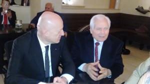 Il Gran Maestro Stefano Bisi e il maestro venerabile Pietro Andrisani durante la conferenza stampa a Matera il 5 marzo