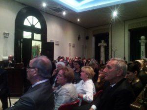 Pubblico nella casa massonica durante la conferenza