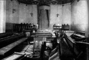 Tempio massonico devastato dalle camicie nere
