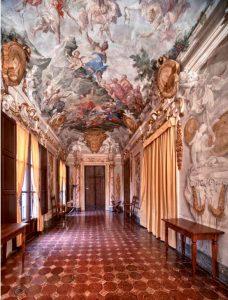 Palazzo Altoviti, galleria all'intervo della sede massonica