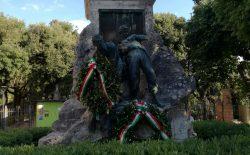 Stravaganze perugine, ricompare la corona dei massoni sul monumento al XX Giugno | Perugia Today