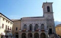 Atto vandalico contro Casa Massonica di Perugia. La solidarietà del sindaco di Norcia