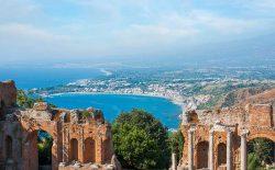 Taormina. Presentazione dei libri 'Massofobia' e 'Massoneria in Europa'