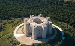 Castel del Monte. Da Abramo a Federico, appuntamento il 25 ottobre
