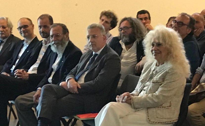 Tanto pubblico a La Spezia per l'incontro su Massoneria e Massofobia. Presente anche il sindaco Peracchini