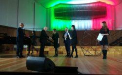 """A Milano """"Son et Lumière"""".  L'evento nel segno di Marco Giovanetti,  musicista e fratello. Consegnata alla moglie l'onorificenza Giordano Bruno alla memoria"""