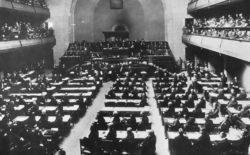 Tra i liberi muratori da Nobel Léon Victor Auguste Bourgeois, che si battè per la pace e fu tra i fondatori della Lega delle Nazioni