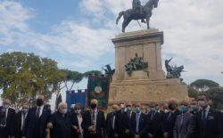 """XX Settembre. Il Grande Oriente ha reso omaggio ad Anita e a Giuseppe Garibaldi al Gianicolo. Il Gm: """"Non ci dimentichiamo del passato e guardiamo con ottimismo al futuro dell'Italia"""""""