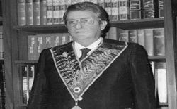 """Presentato a Vibo Valentia """"Confessioni di un Gran Maestro"""", il libro intervista di Francesco Kostner a Ettore Loizzo"""