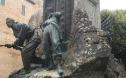 Perugia XX Giugno. Luce sul Monumento ai Caduti. Il Collegio dell'Umbria ha inaugurato il nuovo sistema di illuminazione alla presenza del Gran Maestro Stefano Bisi